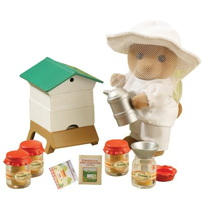 Sylvanian Families Beekeeper and Beehive - Toys