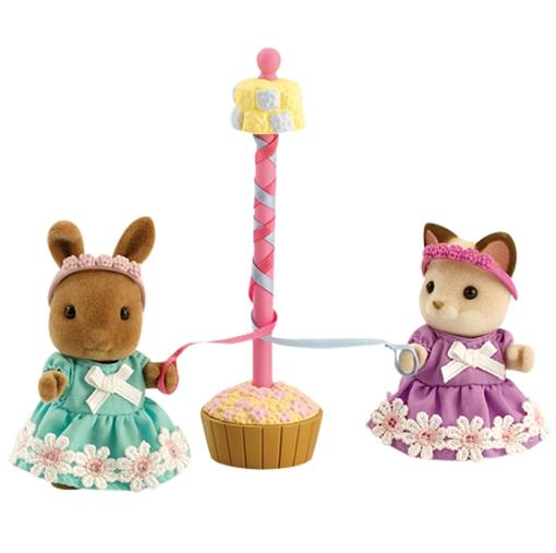 Sylvanian Maypole and Dancers - Toys